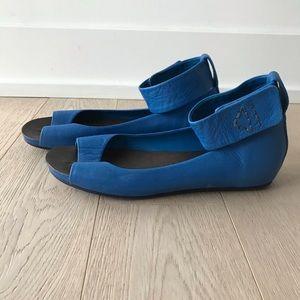 Theory blue peep toes 7.5
